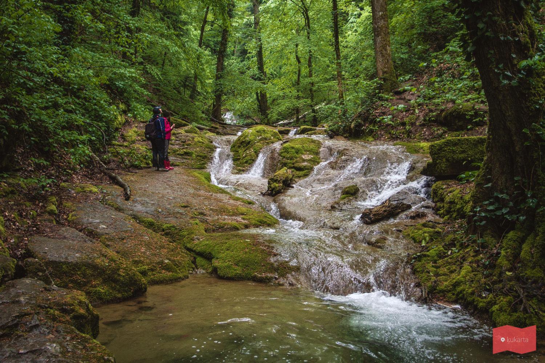 Каверзинские водопады, май
