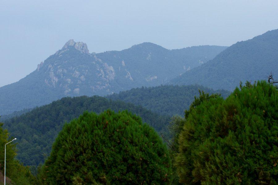 Гора Индюк, Шаумянский перевал