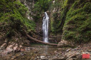 Большой водопад Ажек