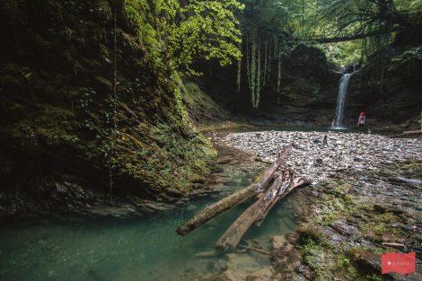 Нижний водопад Ажек
