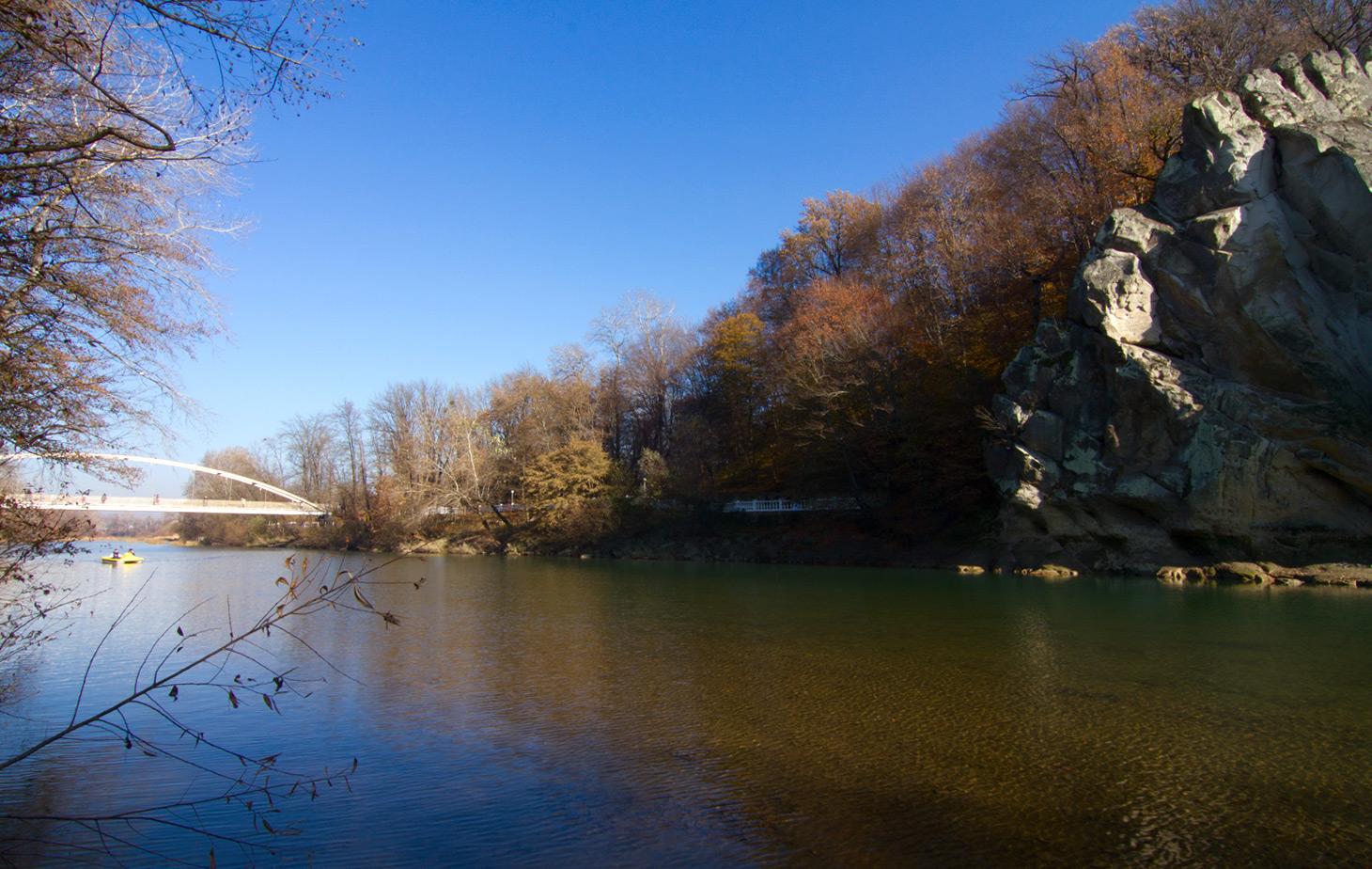 Фрагмент скалы Петушок и Счастливый мост
