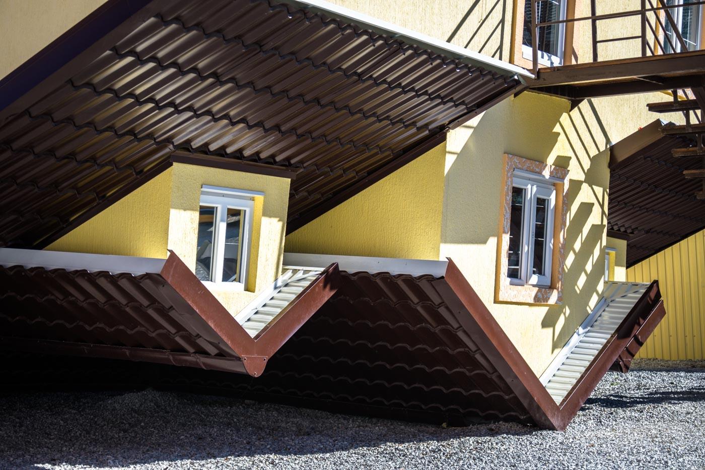 Перевернутый дом в кабардинке фото 6