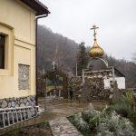 Монастырь Крестова Пустынь