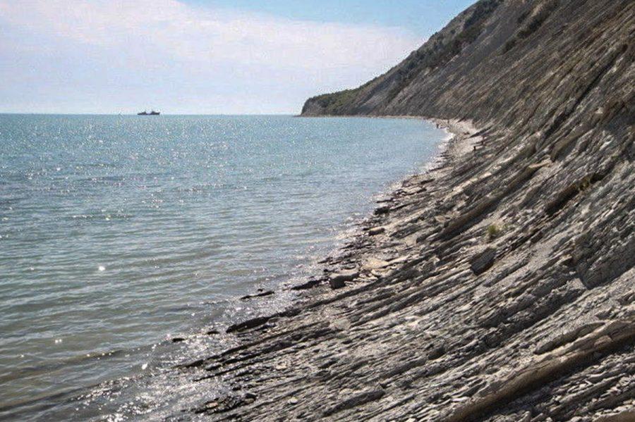 Мысхакские скалы