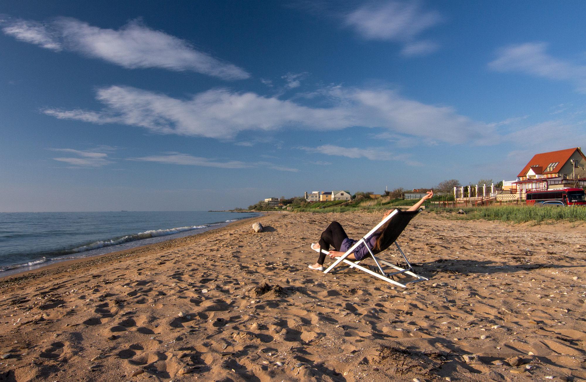 Пляж, поселок Ильич