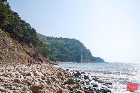 Береговая линия у скалы Парус, Прасковеевка (Геленджик)
