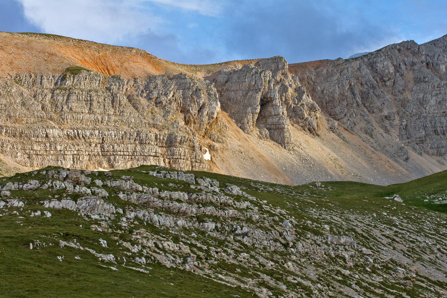 где находится гора Оштен