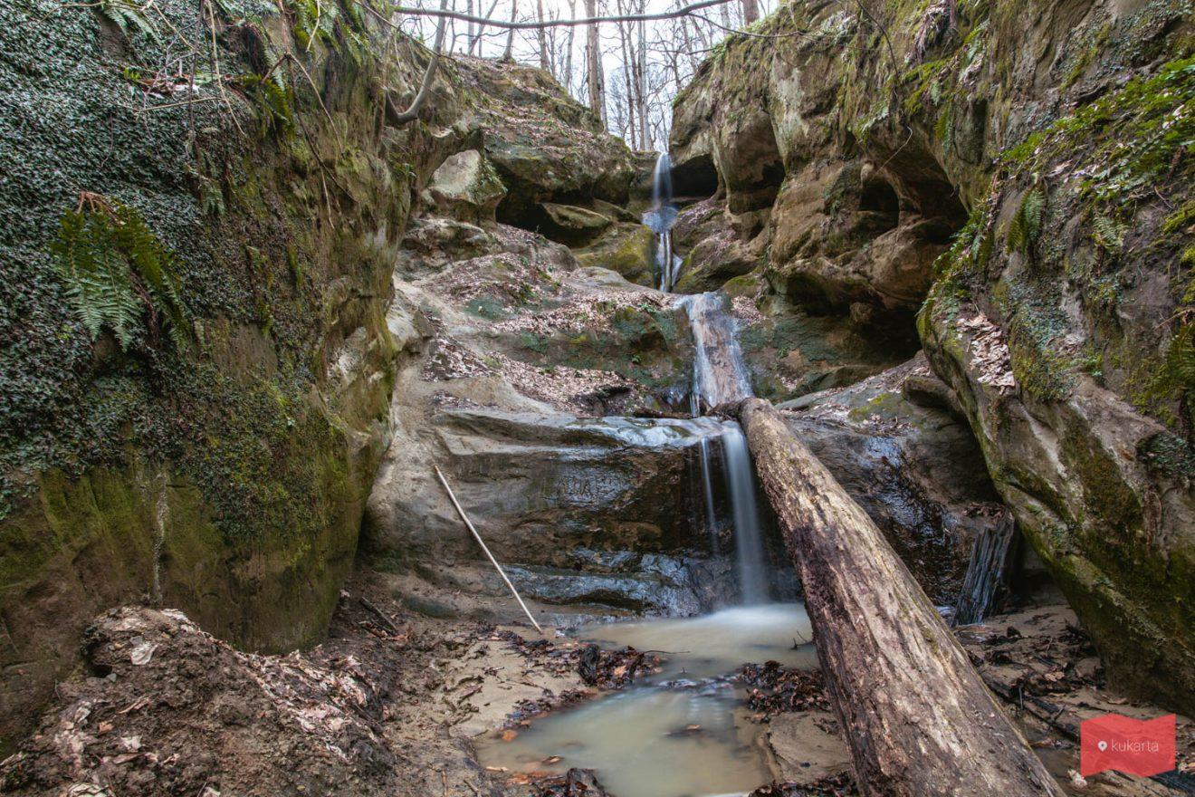 Водопад на Мальцевом ручье (Пасть дьявола)