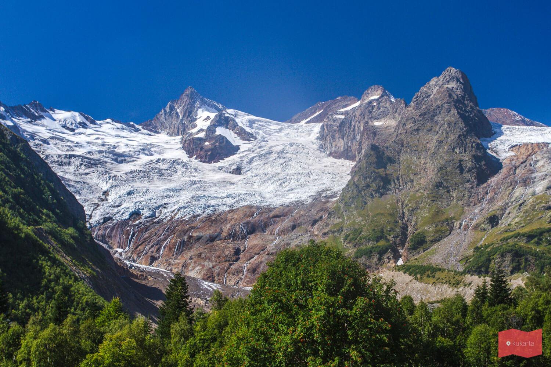 Ледник Алибек, по пути на водопад Алибек
