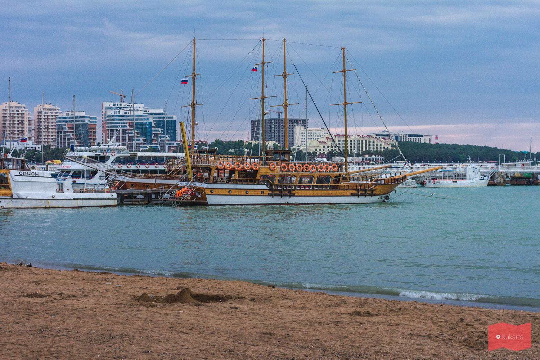 Достопримечательности, развлечения и пляжи Геленджика: фото с описанием