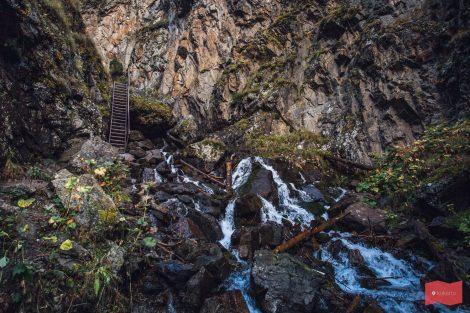 По пути к водопаду Шумка, Домбай